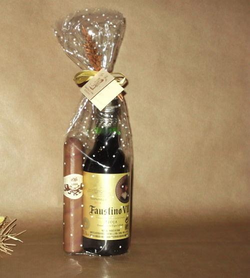 Botella de vino y puro de chocolate