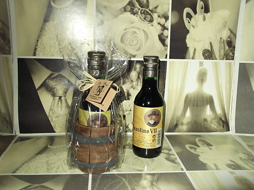 Botella de vino y tonel artesanía