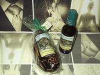 Madreña artesanía y botella de sidra